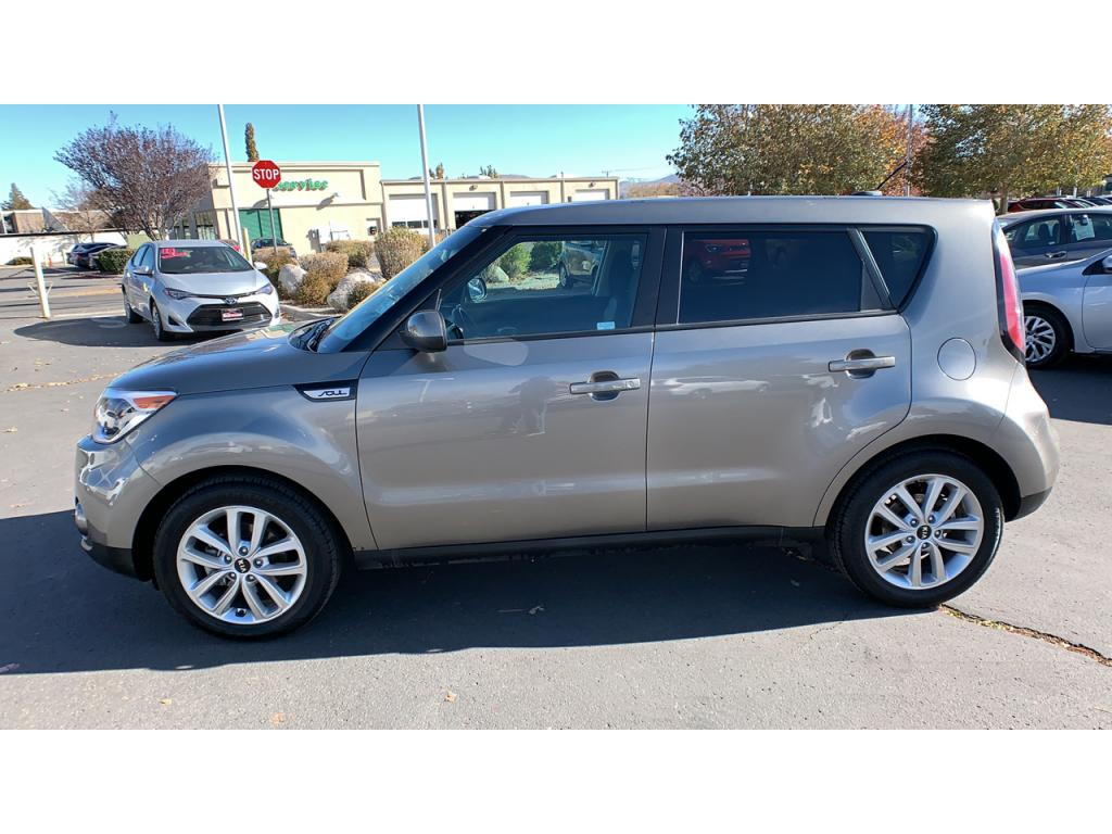 Pre-Owned 2018 Kia Soul + (Plus)
